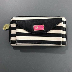 Betsey Johnson Womens Faux Leather Striped Wallet